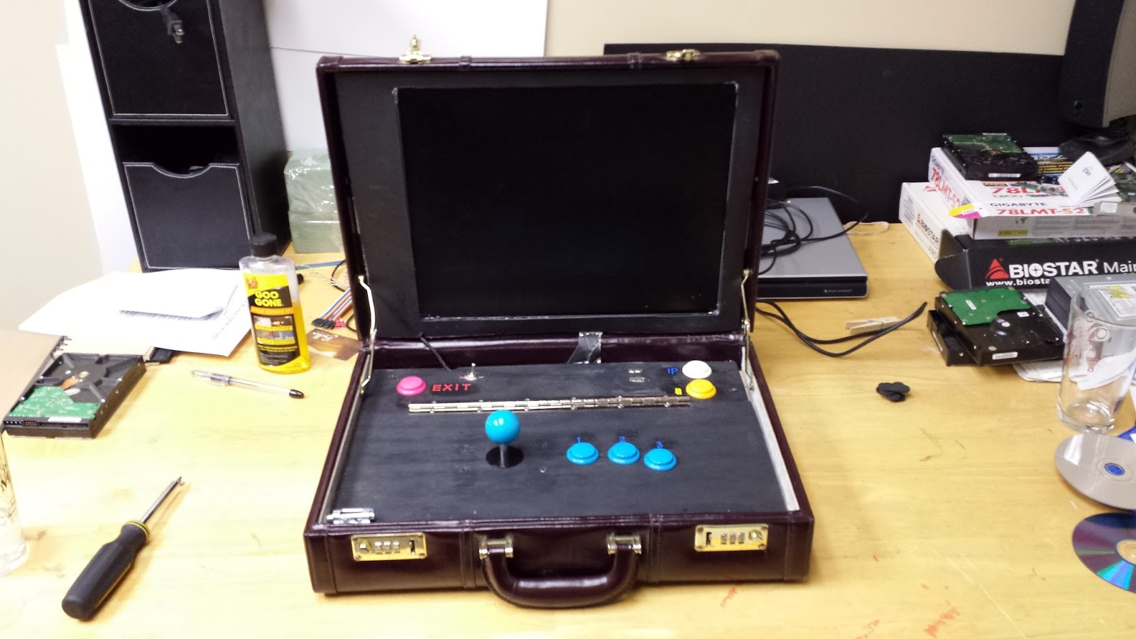 briefcase_arcade